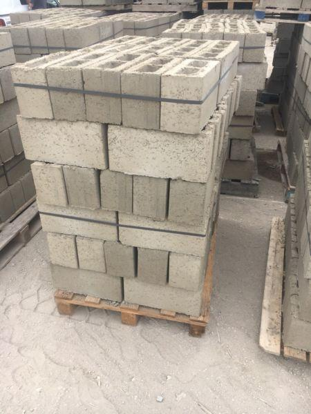 Cement blocks and brick sale R5.90