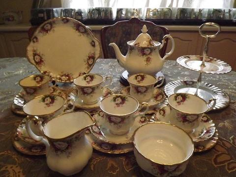 Royal Albert Celebration 26 piece tea set complete for 6 people The set is BRAND NEW /very old