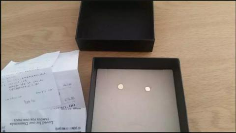 9ct 100% gold round stud earrings(East London area)