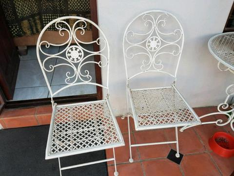 Outside table an chairs for sale