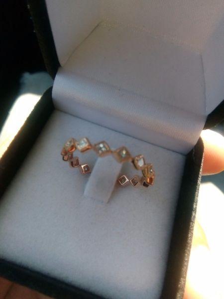 **urgent sale** 18k Rose Gold Eternity engagement ring