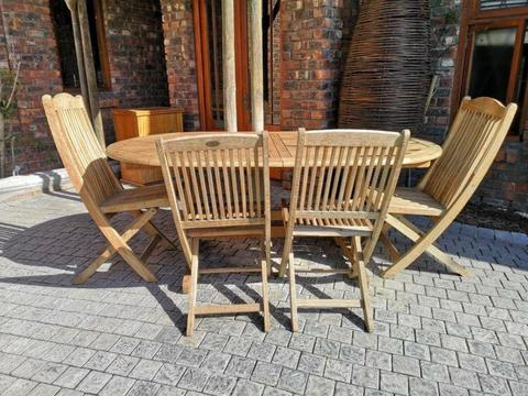 6 Seater Extendable Patio Table set with 4 Chairs AVAILABLE in Sunset Beach Cape Town