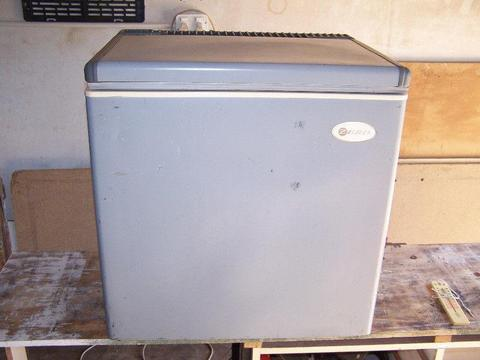 Camping Gas Fridge Freezer - Brick7 Sales