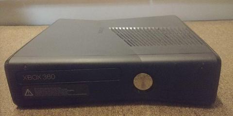 Selling my xbox 360 with controller and a crate of cool games..all in good working condition