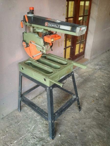 Dewalt DW1251 Radial Arm Saw Mitre