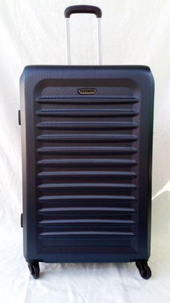 1 piece suitcase LARGE on wheels in Pretoria East
