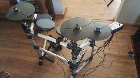 Electronic drum kit - Medeli
