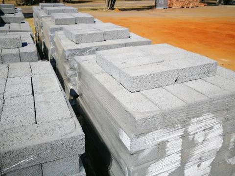 Maxi Bricks Brits