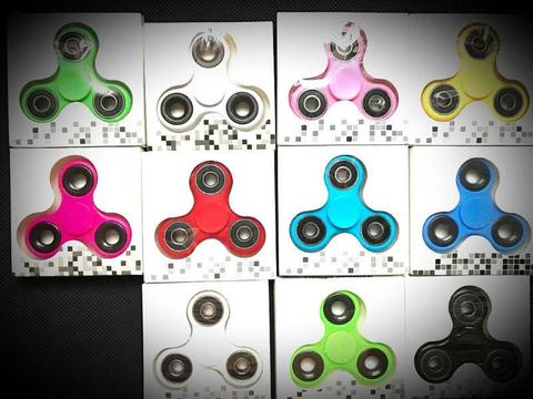 **WHOLESALE** Fidget Spinners R15 (ALL COLOURS) **WHOLESALE** Fidget Spinners R15 (ALL COLOURS)