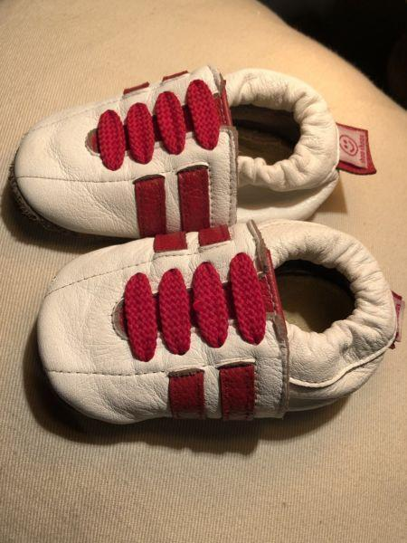Infant sneakers