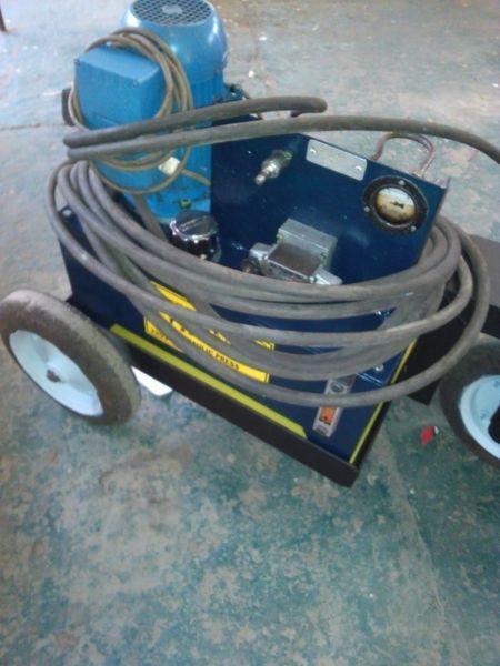 Hydraulic Press - 12 Ton
