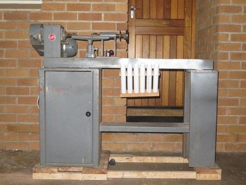 Berco 4-speed wood lathe for sale