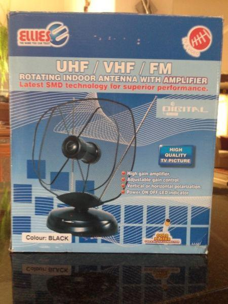 Rotating indoor TV antenna