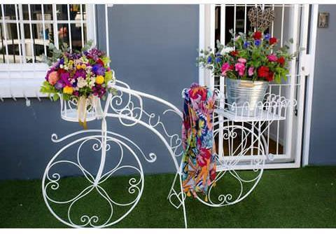 Decorative garden decor