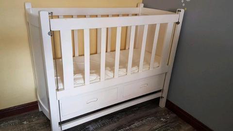 Standard wooden cot
