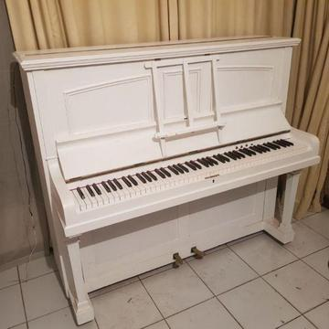 Piano Antique (Electronic conversion) 88 weighted keys