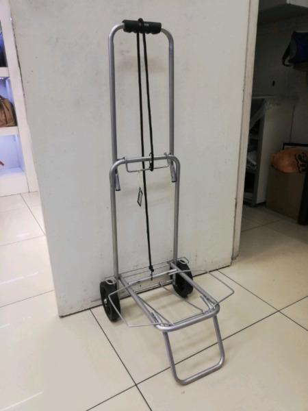 Foldable utility trolley