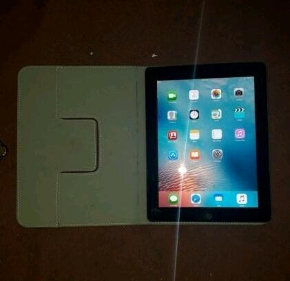 Apple Ipad 2 - 64GB - 9.7