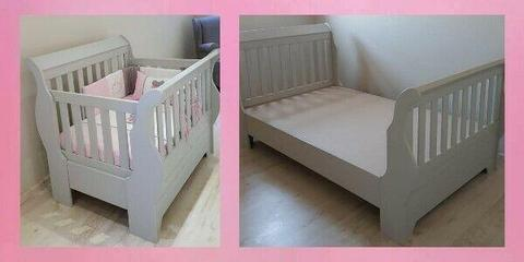 Cot converts to 3/4 bed