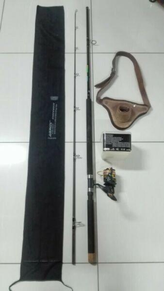 Fishing Surf Rod, Reel & Belt R1350.00