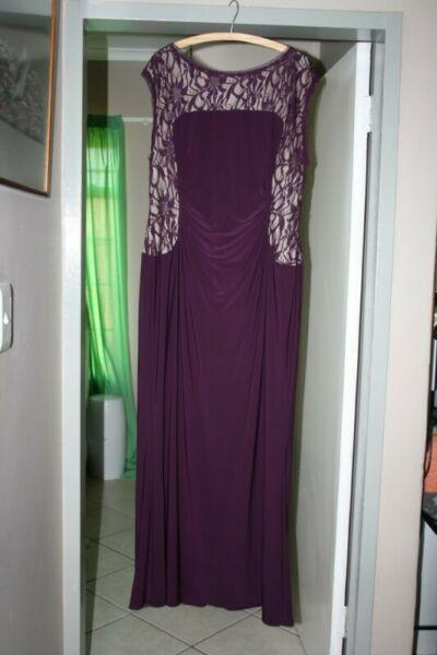 Plum Plus Size Evening Gown & Lace Jacket for sale. Size 16 Wide.