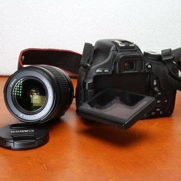 Canon 600D DSLR with 18-55mm lens